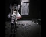 Khởi đầu của sự việc… Cô gái hoảng sợ, nước mắt đầm đìa, đôi mắt cô ngấn lệ như cầu mong người bạn trai đừng làm thế với mình. Đáp lại đó chỉ là những tràng cười man rợ của Trung: – Em cố gắng chiều lòng anh đi! Mai khóc nấc lên từng tiếng: […]