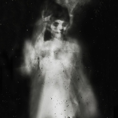 Truyện Kinh Dị – Số Kiếp Tác Giả : Hưng Phần 1: Hỏa Thần và Mộc Thần Tiếng thở gấp cứ thế vang vọng, mộtngười đàn bà chạy dọc khu phố tới một tòa nhà to rộng có vườn, từ ngoài cửa, bàta như cố bắt lại nhịp thở của mình, giọng bà hết hơi: […]