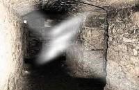 Vì lần đầu viết truyện nên có gì sai sót mog mấy b bỏ qua ha… Hôm nay tôi sẻ kể cho các b nghe một câu chuyện mang yếu tố tâm linh , hay nói đúng hơn đó là … MA. Một thế giới vô hình mà người dương thế chúng ta k thể […]