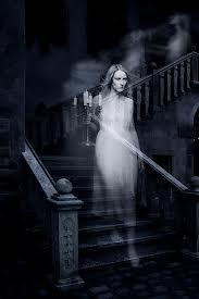 Cẩn thận lời nói nơi nghĩa trang Xin kể tiếp một chuyện huyền bí của Dì 5. Cũng vào khoảng 1988, sau chuyện huyền bí của nấc thang thứ 3 trong nhà dì thì có một buổi trưa, khi Dì 5 đang lim dim sắp sửa đi vào giấc mộng thì bỗng … Cộc cộc […]